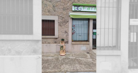 MuñecoNieveFarmacia